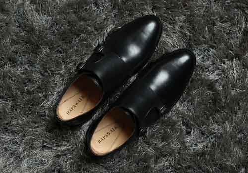 Black shoes image