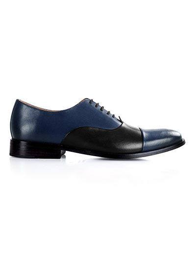 Premium Oxford home carousel shoe image